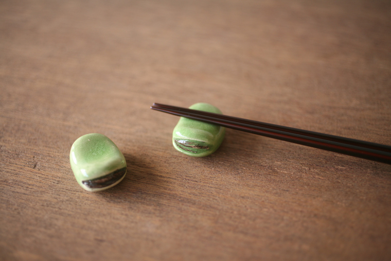 Kikkougama Broad Bean Chopstick Rest Online Shopping
